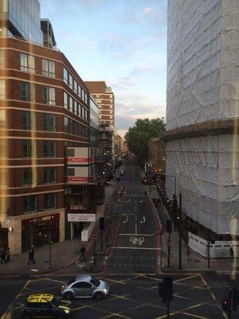 Pullman London St Pancras Hotel : vue de l'ascenceur panoramique