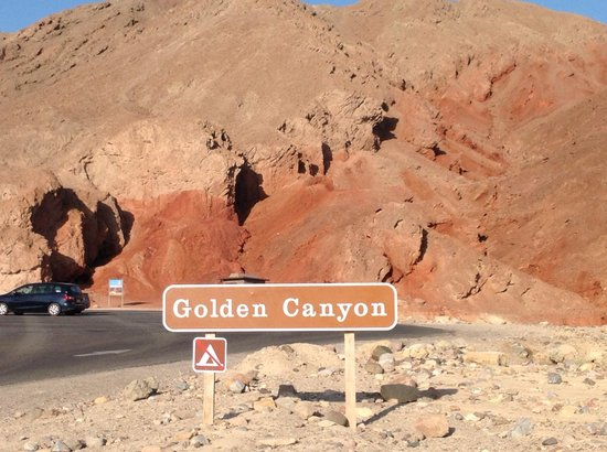Golden Canyon : Entrance