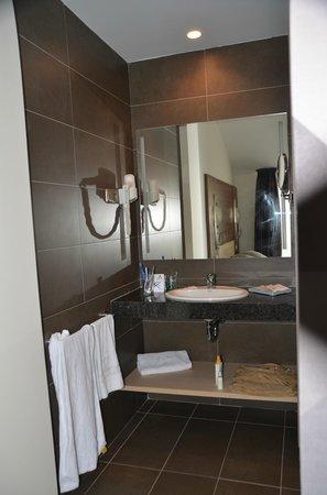 Aqua Hotel Aquamarina & Spa: Lavabo