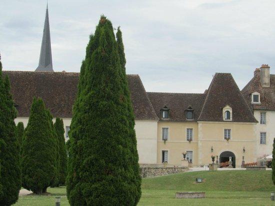 Le Château de Gilly vu depuis le parc