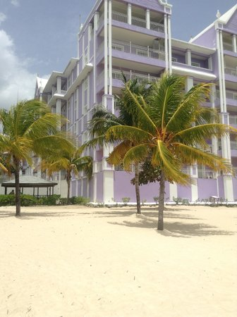 ClubHotel Riu Ocho Rios : view from beach