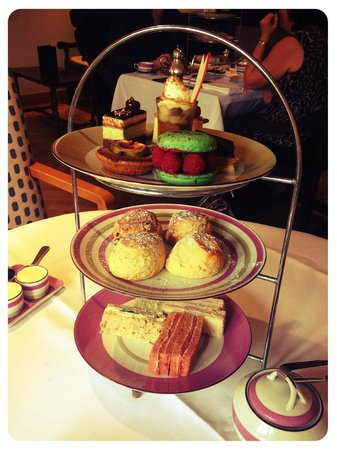 Lovely afternoon tea at Great Fosters