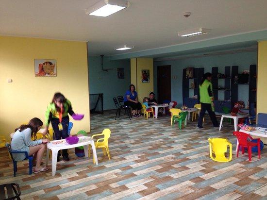 Kristal Hotel : Kids club