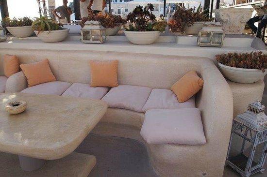 Lava Suites & Lounge: Chillout Lounge mit traumhaftem Ausblick