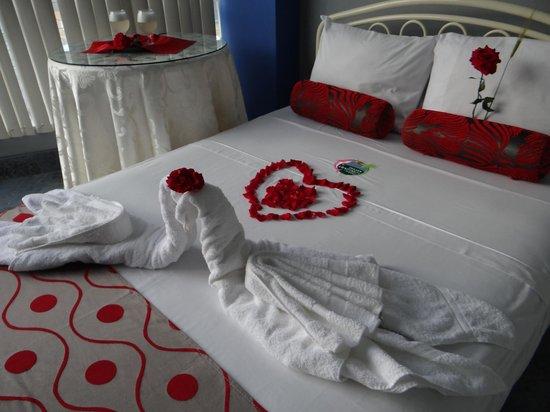 delfin amazonico suites cama con decoracin romntica
