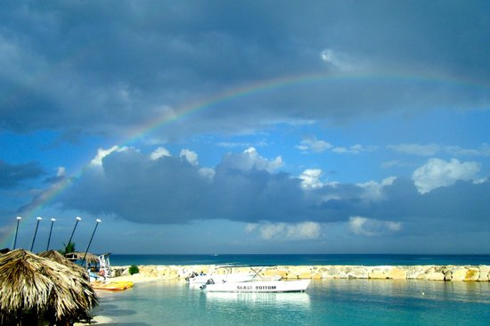 Secrets Wild Orchid Montego Bay: Unforgettable rainbow on the beach