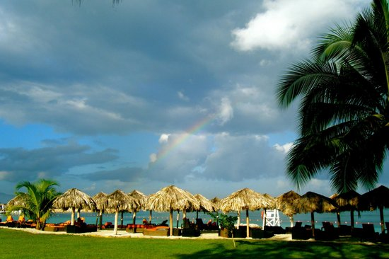 Secrets Wild Orchid Montego Bay: The beach and a rainbow!