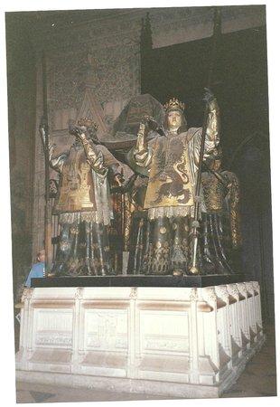 Catedral de Sevilla: mausoleo de Colón
