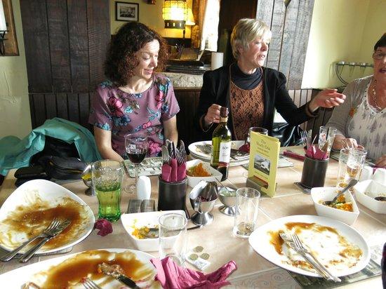 The Shady Oak Restaurant: Empty plates!