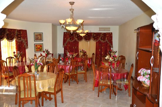 Blair's Palm View Resort : Formal dining room on the first floor