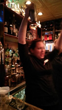"""Orleans Grapevine Wine Bar and Bistro: Yvette gets her first lesson at """"top pour."""""""