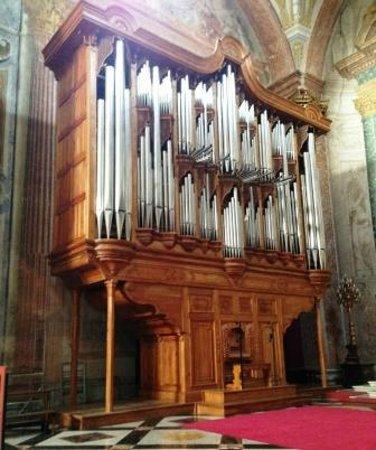 Basilica di Santa Maria degli Angeli e dei Martiri: organo spostabile