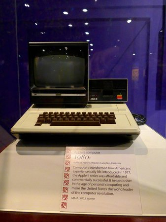 National Museum of American History : Early apple computer