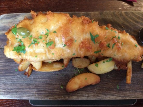 The George Hotel: Fish and chips