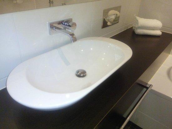 Van der Valk Hotel Brugge-Oostkamp: toilet