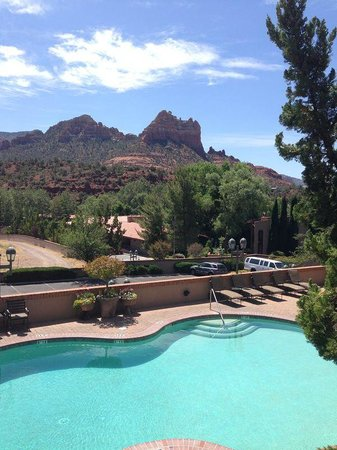 Best Western Plus Arroyo Roble Hotel & Creekside Villas: Arroyo Roble Sedona Outdoor Pool