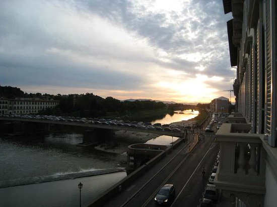 The St. Regis Florence : Arno River - view from room