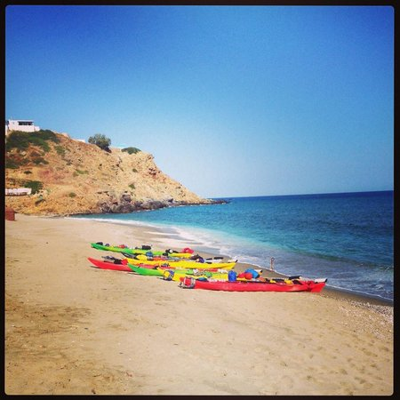 Sea Kayak Milos : A typical morning before we all jet off!