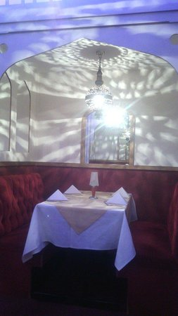Bengal Brasserie: Beautiful atmospheric seating areas.