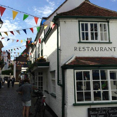 The Elderflower Lymington: pretty Quay street and Elderflower restaurant