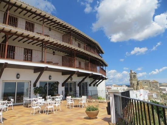 Parador Arcos de la Frontera: The terraces with amazing view!