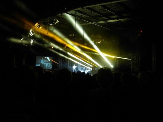 The Haygoods : Lasers and lights gave the show a real spark