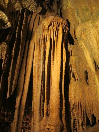 Onyx Cave : Flow Stones