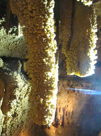 Onyx Cave : Crystal Flow