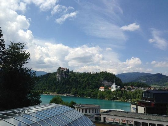 Kompas Hotel Bled: Lake-view from room 613