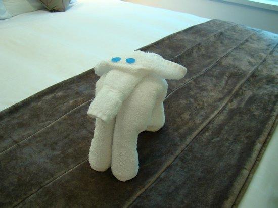 The Cumberland: Towel elephant