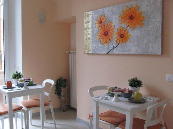 Merulana Suite 2: Salle du Petit-Déjeuner