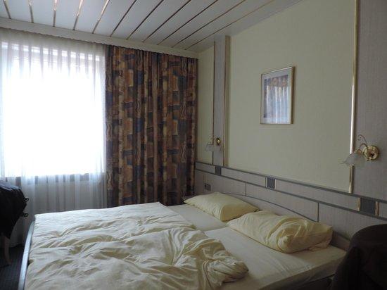 Hotel Alfa Muenchen: Quarto