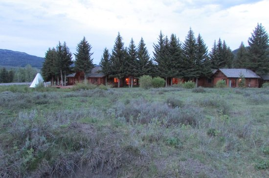 Hatchet Resort: The back of the property
