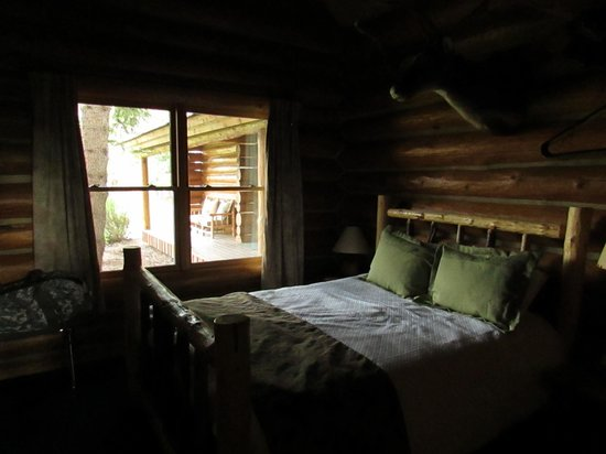 Hatchet Resort: Bedroom