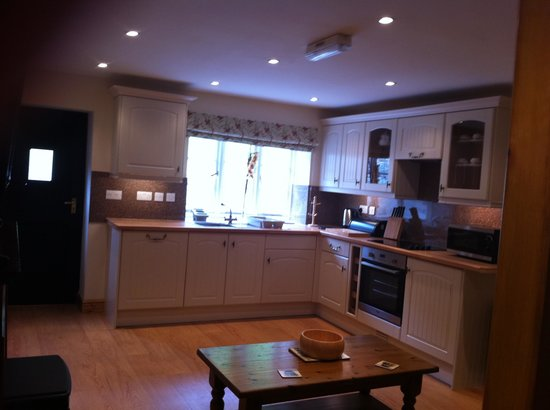 Oakeley Arms Hotel: One bed Cottage Kitchen