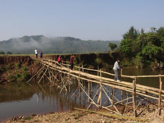 Ialong Park : A challenging bridge to cross