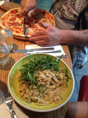 Amalia Italian Restaurant : King prawn tagliatelle & Calabrese pizza
