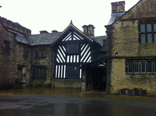 Shibden Hall: More half-timbered detail.