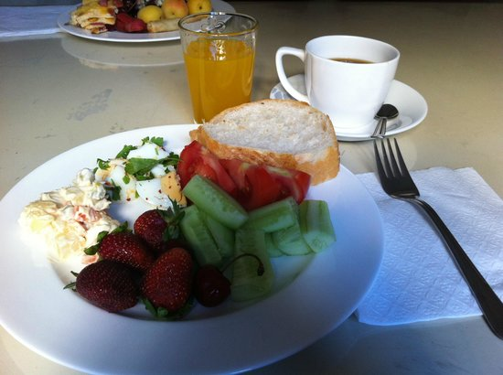 Istanbul Garden Suite : Breakfast