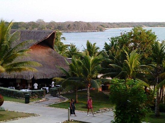 Decameron Barú: Vista bar y playa