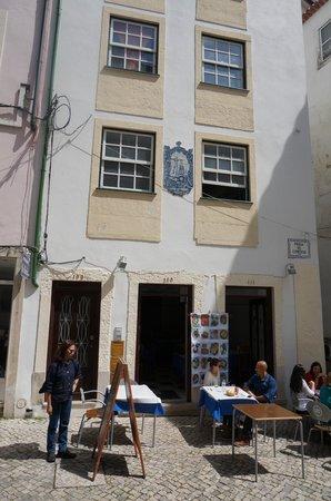 Restaurante Rio Mondego : In front of the restaurent