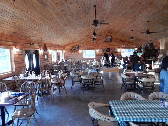 Canyon Springs Stage Stop Steakhouse: Large Dining Area