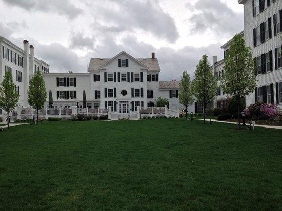 The Equinox Golf Resort & Spa: courtyard