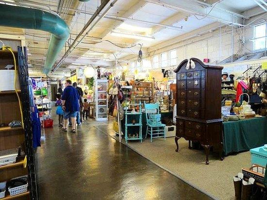 indoor vendors - Picture of Raleigh Flea Market, Raleigh ...