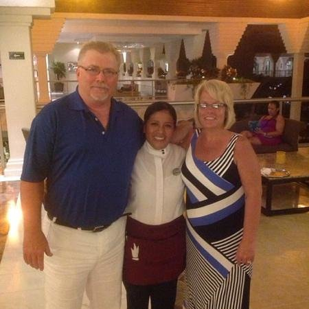 Grand Riviera Princess All Suites Resort & Spa: Guadalupe!  a wonderful waitress