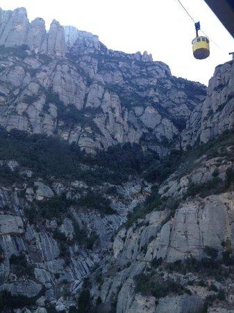 Barcelona Turisme - Afternoon in Montserrat Tour : cable car