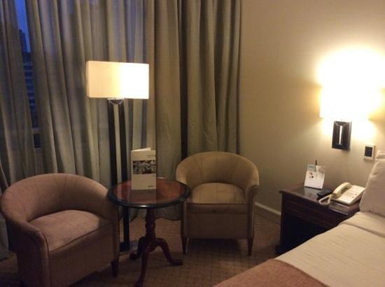 NH Collection Plaza Santiago: habitación muy cómoda