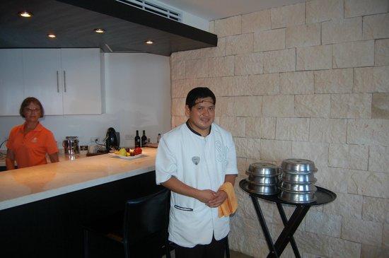 Hard Rock Hotel Riviera Maya: David serving at the private dinner