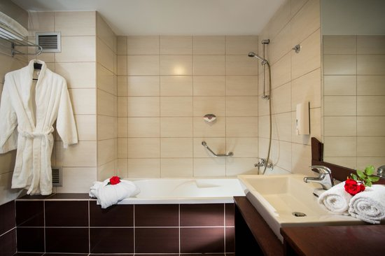 Blue Marine Resort & Spa : Bathroom