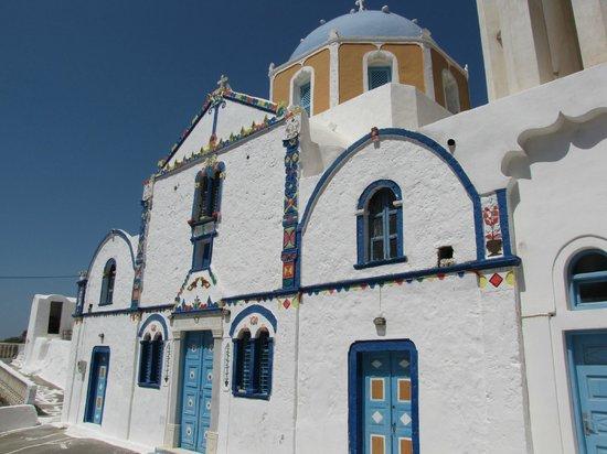 Discover Thirassia Tour: Eine wunderschöne Kirche in wunderbarer Umgebung